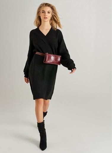 Monamoda V Yaka Triko Elbise Siyah